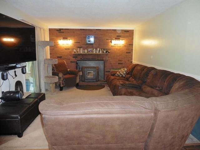 33 Virginia Avenue West Springfield MA 1089