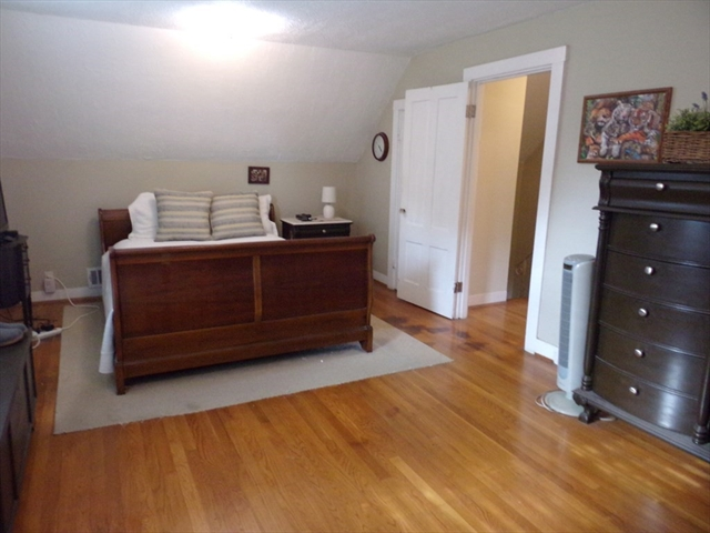 868 Rockdale Avenue New Bedford MA 02740