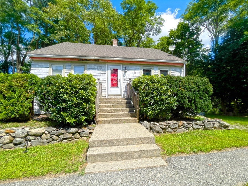 76 Tremont St, Rehoboth, MA 02769
