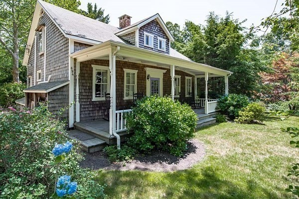 694 State Rd, West Tisbury, MA 02575