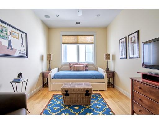 350 W 2nd St #4, Boston, MA 02127