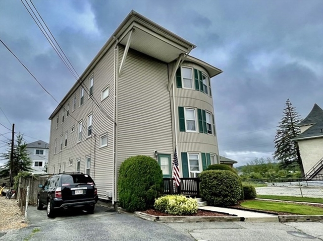 12 Airlie Street Worcester MA 01606