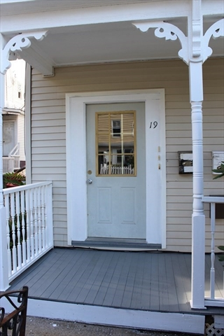 19 Suffield Street Worcester MA 1610