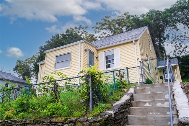 17 Ives Street Worcester MA 01603
