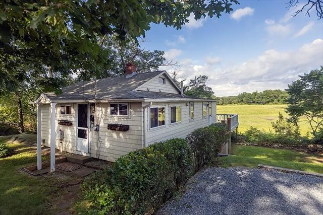 10 Chestnut Place Hingham MA 2043