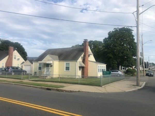 118 Holyoke Street Lynn MA 01905