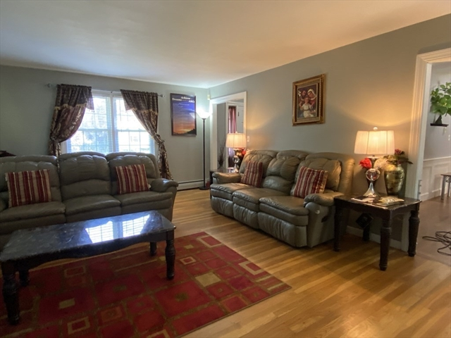 174 Grove Avenue Leominster MA 01453