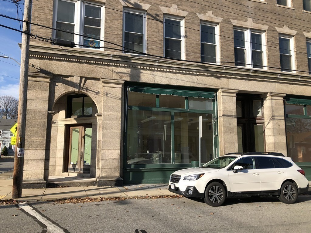 For Lease! Fairhaven center, corner location with high visibility and easy access. Great location and space with large spectacular display windows that provide tons of natural light, beautiful  hardwood floors, high ceilings, perfect for retail,  office, etc.