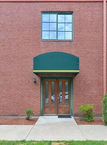 54 Green Street Leominster MA 01453