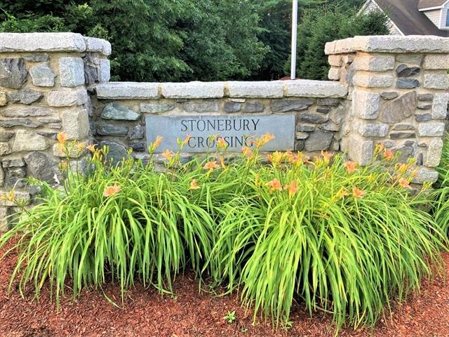28 Stonebury Way Tewksbury MA 1876