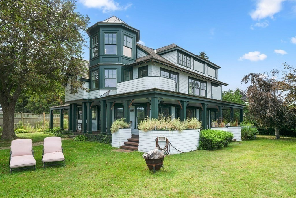 33&37 Manters Pt, Plymouth, MA 02360