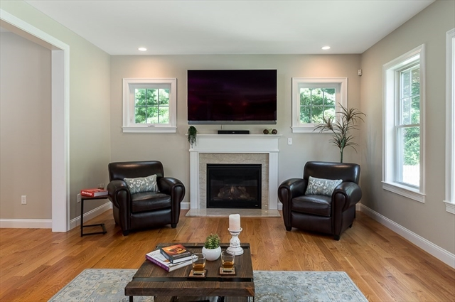 16 Pond View Lane Beverly MA 01915