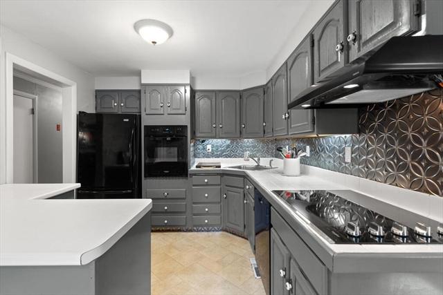 53 Maple Street Concord MA 1742