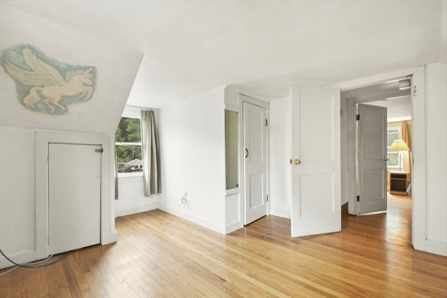 11 Temple Avenue Hudson MA 01749