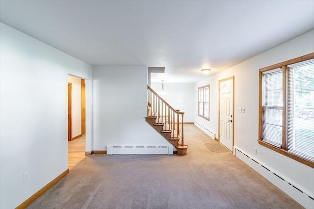 93 Stuart Avenue Leominster MA 01453