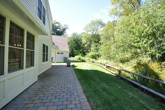 14 Cheevers Path Bedford MA 01730