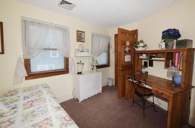 7 Howlands Lane Kingston MA 02364