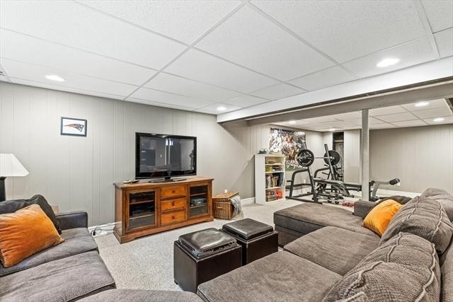 75 Granville Lane North Andover MA 01845