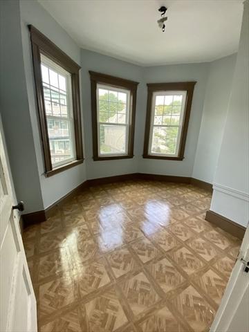 26 Farquhar Street Boston MA 02131