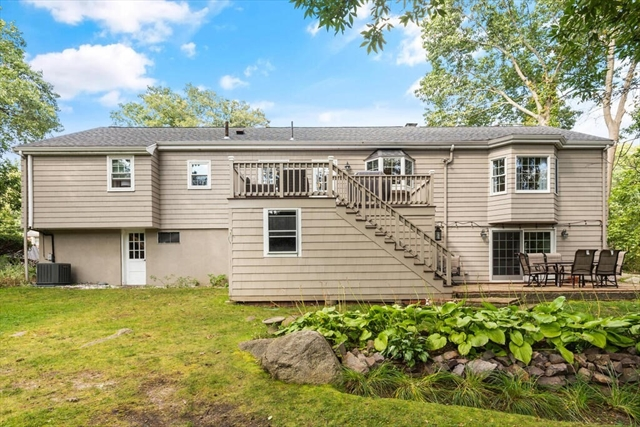 33 Doncaster Circle Lynnfield MA 01940