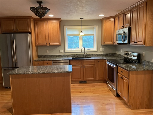 399 Oakhill Avenue Attleboro MA 2703