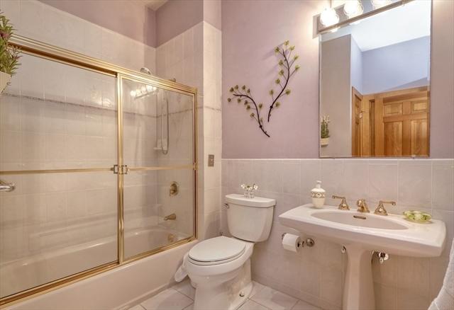 16 Manor Lane Westwood MA 2090