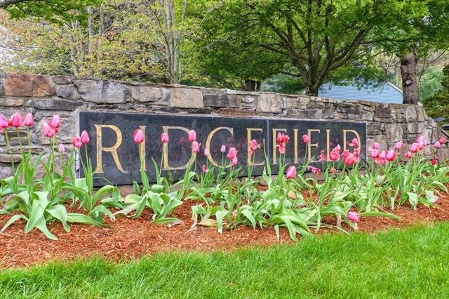 1100 Ridgefield Circle Clinton MA 01510