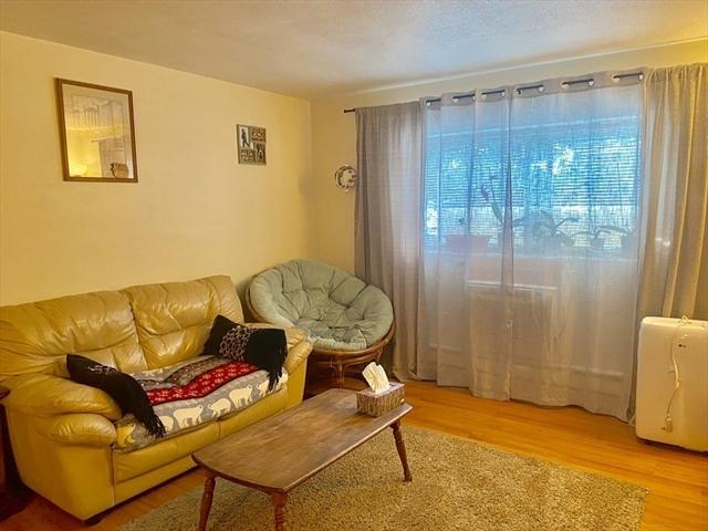 9 Glen Avenue Chelmsford MA 01824