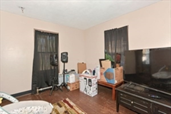 25 Healey Street Springfield MA 01151