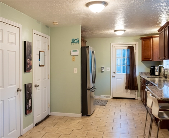 43 11Th Avenue Brockton MA 02302