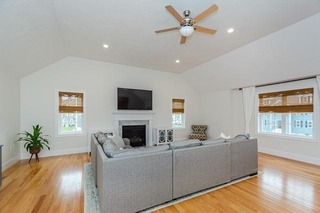30 Fieldstone Lane Billerica MA 01821
