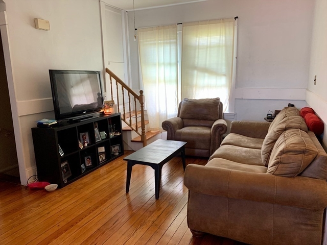 19 Homestead Avenue Acushnet MA 02743