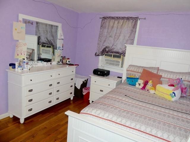 12 Medfield Street Worcester MA 01606