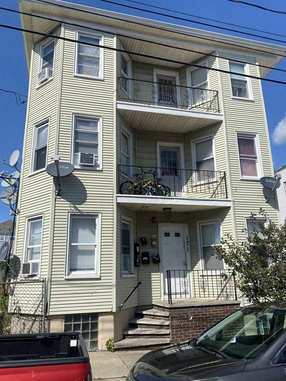 Huge 6 family with plenty of off street parking.  One unit has just been completely renovated.  Solid investment!