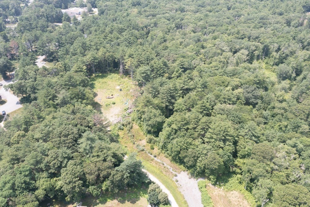 Large (1.86 acres)  4 bedroom approved site in beautiful Mattapoisett. End of cul-de-sac.