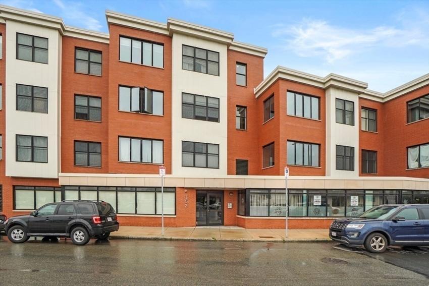 152 Old Colony Ave, Boston, MA Image 16