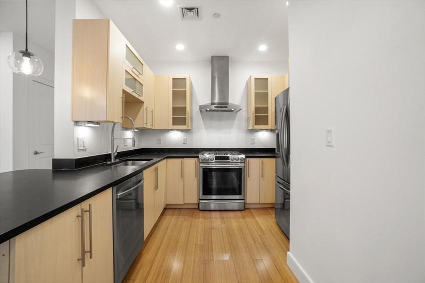 152 Old Colony Ave, Boston, MA Image 4