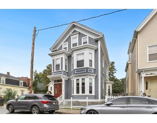 5 Beds, 3 Baths home in Boston for $699,999