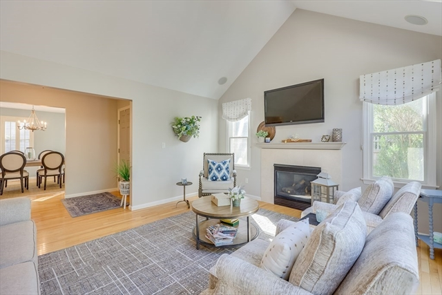 25 Rigsdale Way Plymouth MA 02360