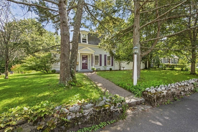 42 Willow Street Reading MA 01867