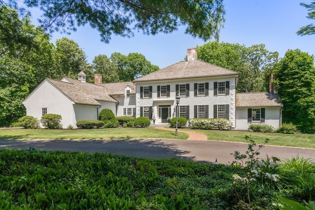 Photo of 33 Meadowbrook Rd Weston MA 02493