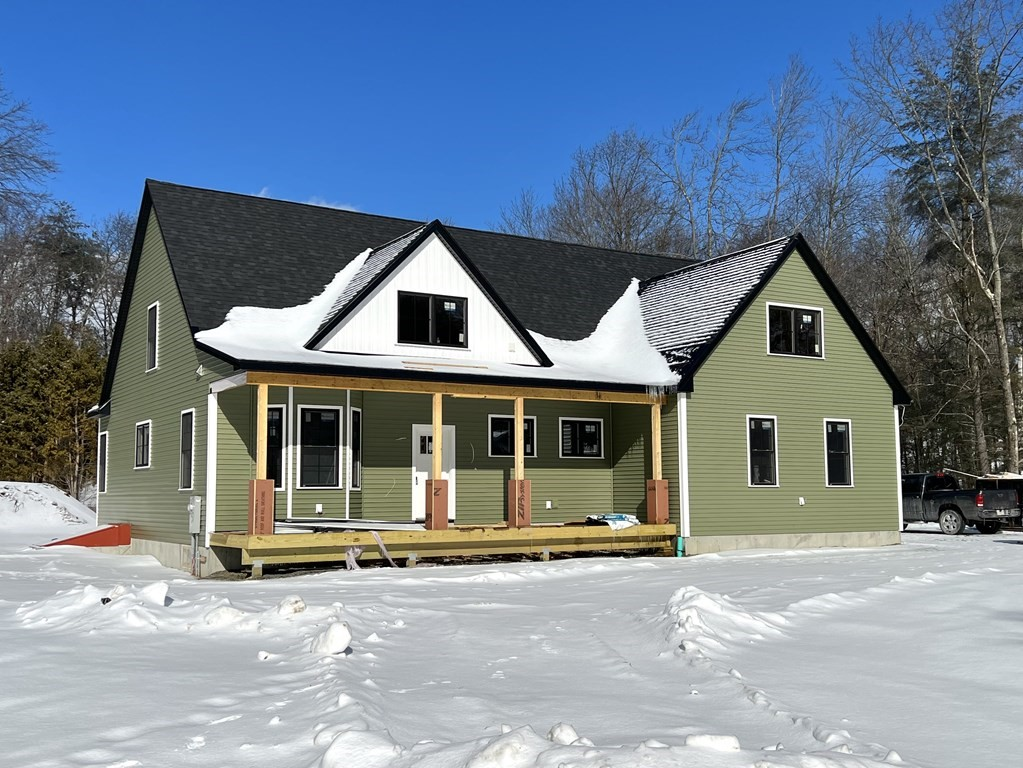 274 Quinapoxet St., Holden, MA 01520