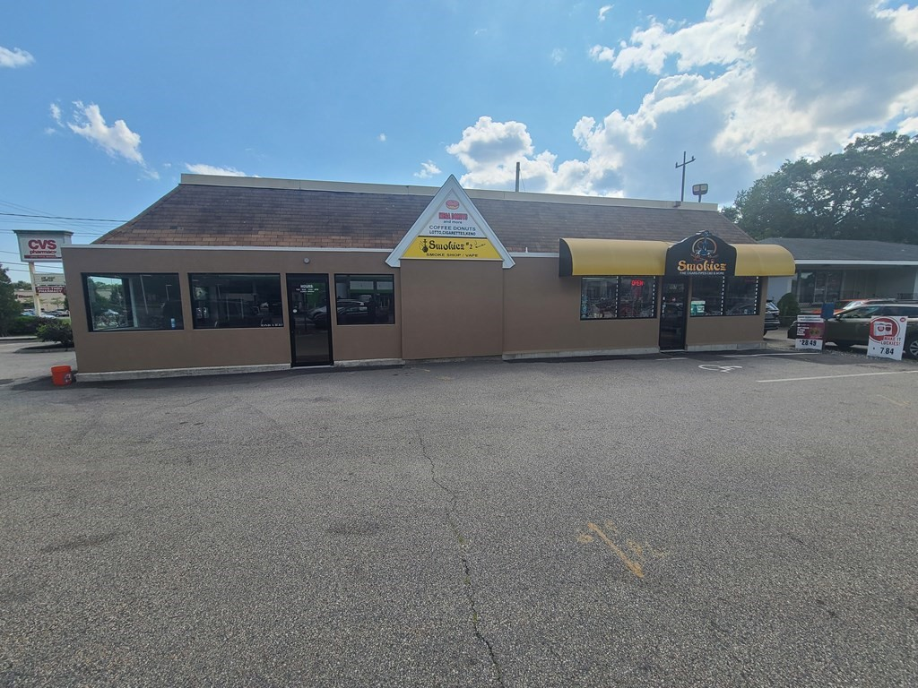 Stand-alone building located on the corner of highly traveled traffic Rt.6 at the intersection of Brayton Point Road and GAR Highway (GAR). Building configured for two tenants and with one available space for lease consisting of 1,690 sq/ft formerly donut shop with drive thru window configuration.  Open floor plan providing many possibilities for retail and office. Call for a private tour.