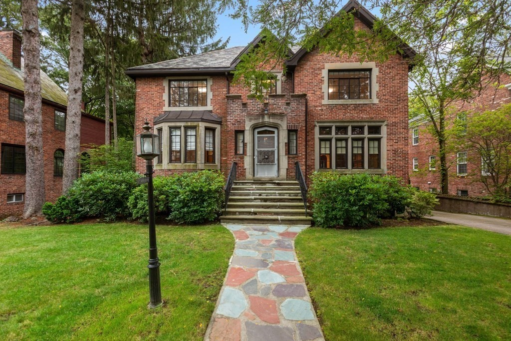 75 Woodchester Dr, Newton, MA 02467