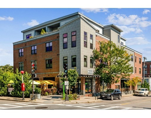 156 Green St, Boston, MA 02130