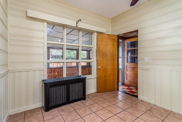 28 Robbins Street Lowell MA 01851