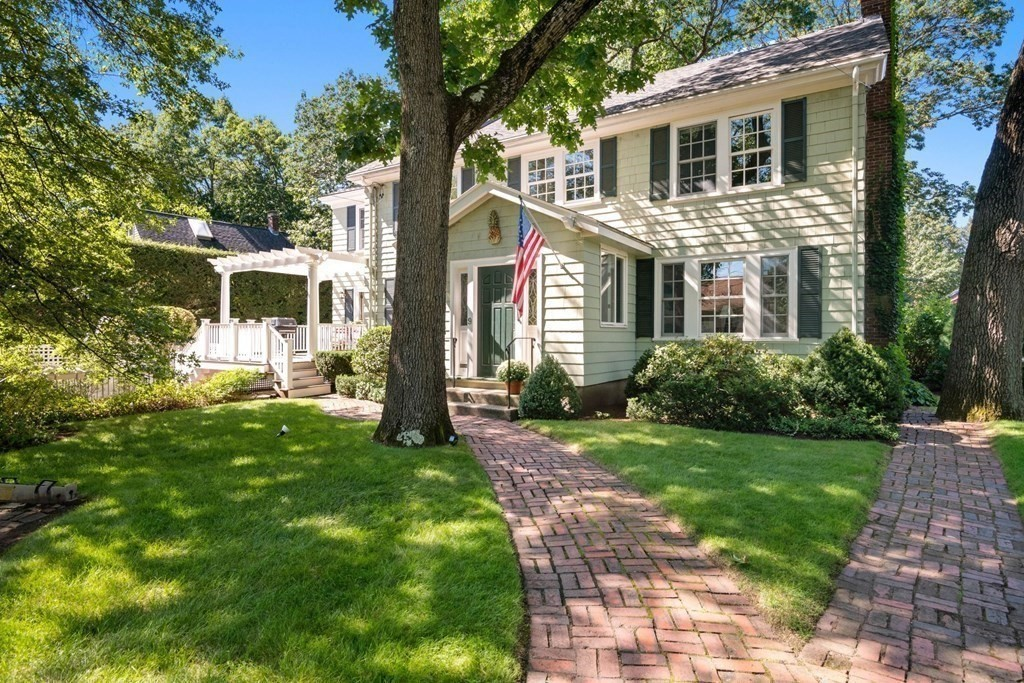 Nestled in the heart of Jason Heights, this timeless center entrance colonial offers traditional elegance with the relaxed comfort of family living. Well maintained with great pride by the owner of 50+ years, 9 Lincoln Street has so much to offer!  Upon entering the spacious entranceway, the 1st floor features a front to back fireplace living room with french doors opening to a 3 season porch, a large formal dining room, a modern eat in kitchen with a gas fireplace and large island, a step down family room that overlooks the expansive manicured backyard, a wonderful office/au pair suite and 2-1/2 baths. Upstairs offers a primary suite, main bath and three additional bedrooms, one which has a spiral staircase to a loft space; ideal for study, work or play. The stunning side yard boasts a heated in-ground pool and an English garden. Close to Menotomy Rocks Park, the shops and restaurants on Mass Ave and Arlington Center, Route 2 and  Alewife T. This truly special home is waiting for you!