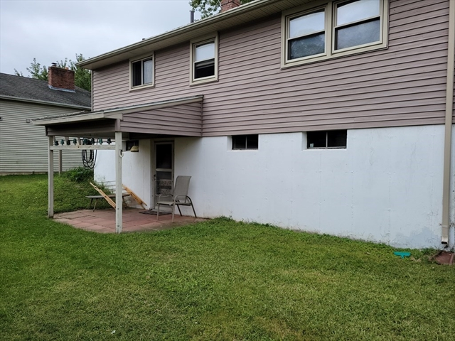 21 Riverdale Road Chicopee MA 01013