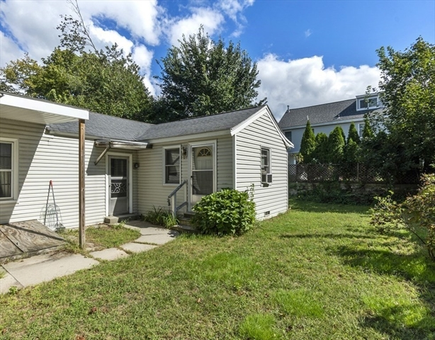 2 Cottage Row Chelmsford MA 01863