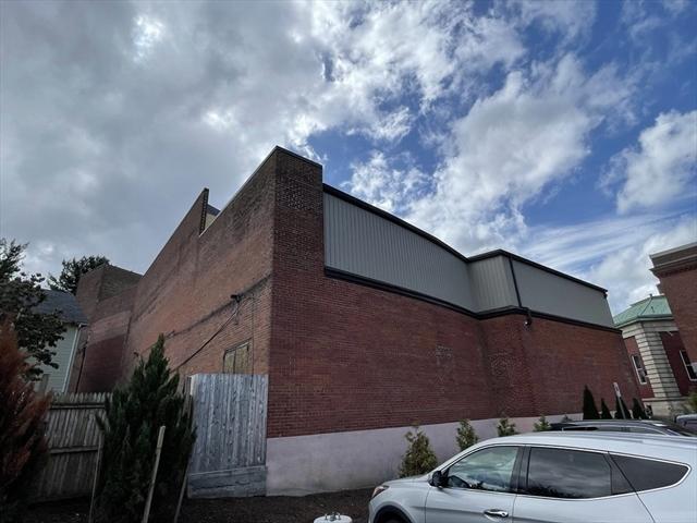 43 Springfield Street Chicopee MA 01013